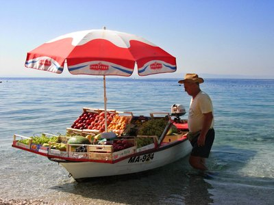 fresh fruit deliver to the sand