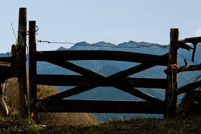 Fence on the mountains of Banduxu (Bandujo)