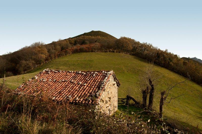 Casa de pastoreo junto al Picu L.luguéi (Bandujo)
