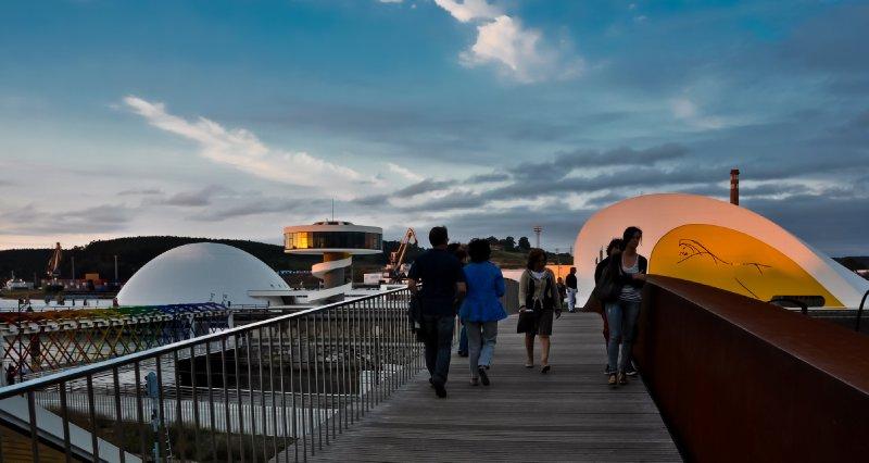 Niemeyer Center from the corten steel footbridge (Avilés)