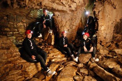 DW_Labyrinth_Group_Sitting on rocks_Land