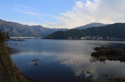Lake_Kawaguchiko.jpg