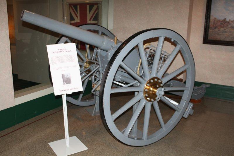 Boer gun captured from General Christian de Wet by Australian troops
