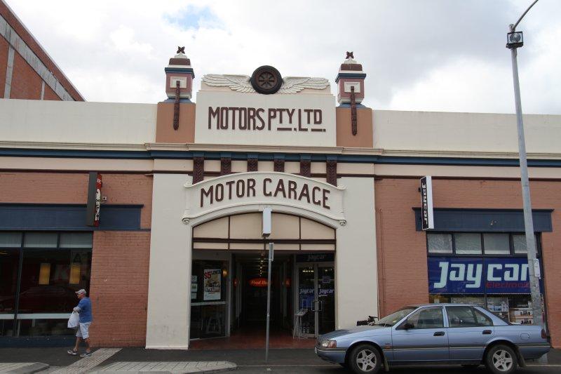 Motors Garage