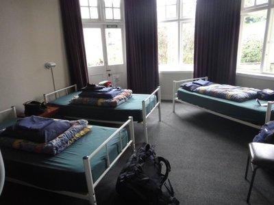 Unser Zimmer im Krankenhaus-Hostel <img class='img' src='http://www.travellerspoint.com/Emoticons/icon_smile.gif' width='15' height='15' alt=':)' title='' />