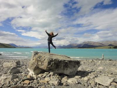 Lake Tekapo und ich <img class='img' src='http://www.travellerspoint.com/Emoticons/icon_smile.gif' width='15' height='15' alt=':)' title='' />