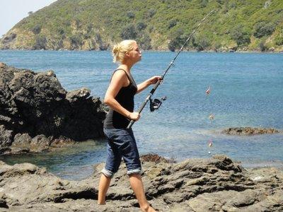 Ich mach mich noch gut als Fischerin <img class='img' src='http://www.travellerspoint.com/Emoticons/icon_smile.gif' width='15' height='15' alt=':)' title='' />