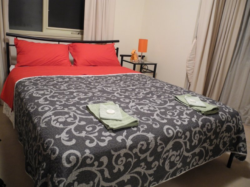 ons kingsize bed in Melbourne!