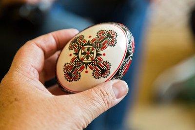 Gliceria Hrețiuc Egg Painting  15