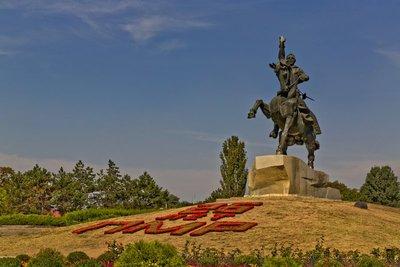 Statue of Alexander Stuvorov 2