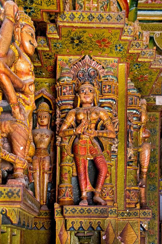 large_Bhandasar_Jain_Temple_14.jpg