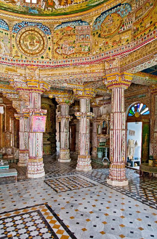 large_Bhandasar_Jain_Temple_19.jpg