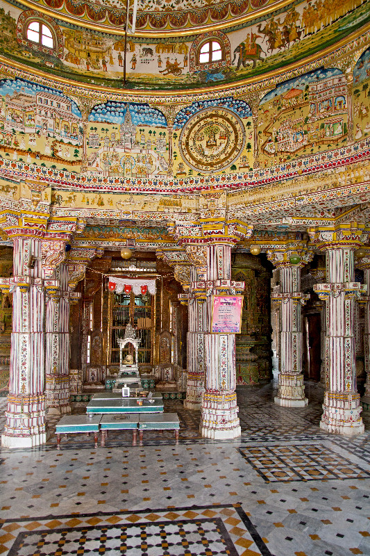 large_Bhandasar_Jain_Temple_4.jpg