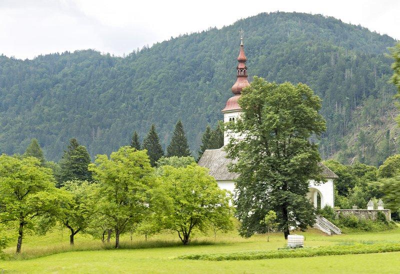 large_Bitjne_Church_2.jpg
