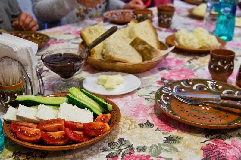 large_Butuceni_E..Breakfast_2.jpg