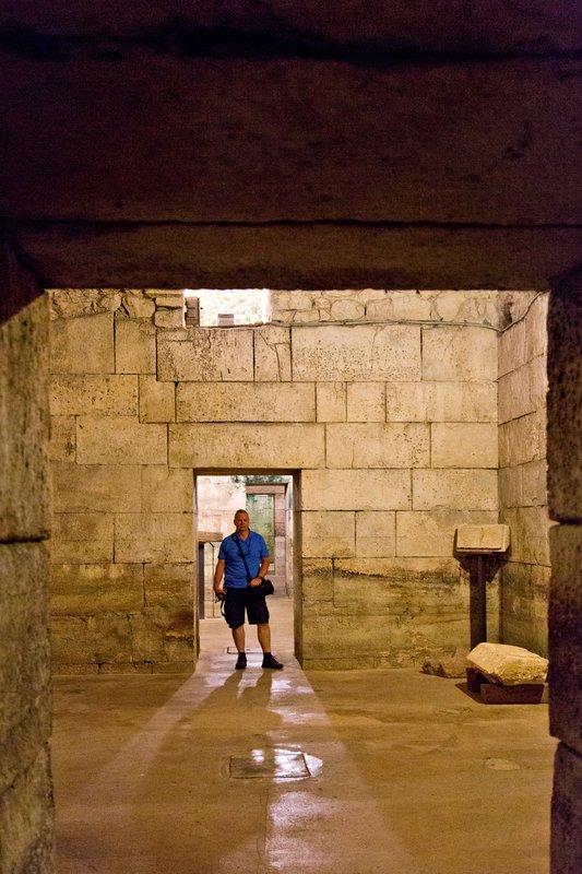 large_Cellars_of.._s_palace_9.jpg