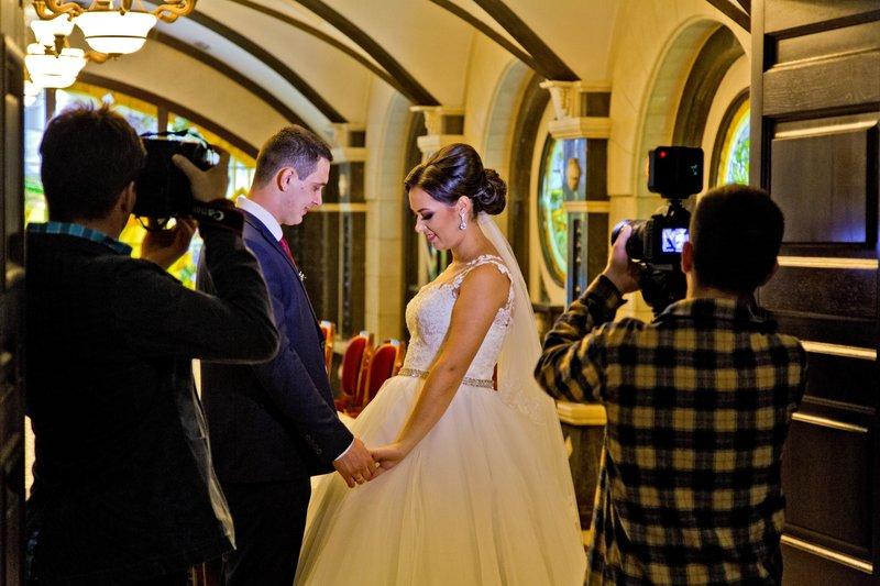 large_Cricova_Winery_Wedding_1.jpg