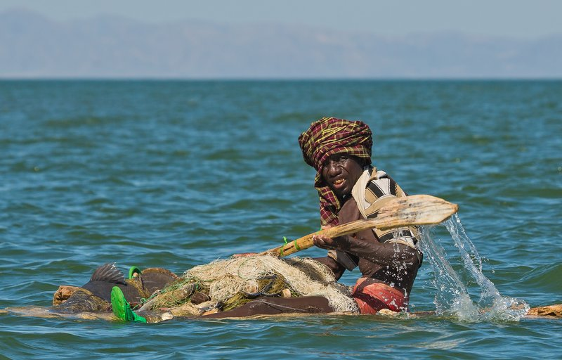 large_El_Molo_Vi..Fisherman_6.jpg