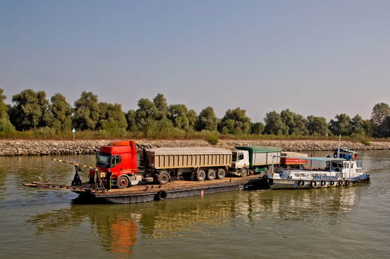 large_Ferry_to_Tulcea_12.jpg