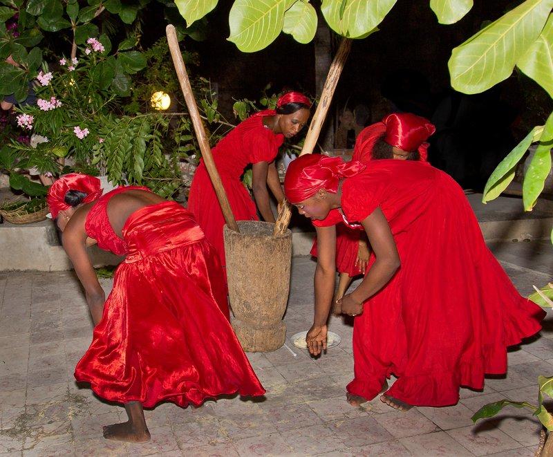 large_Haitian_Fo.._Dancing_34.jpg