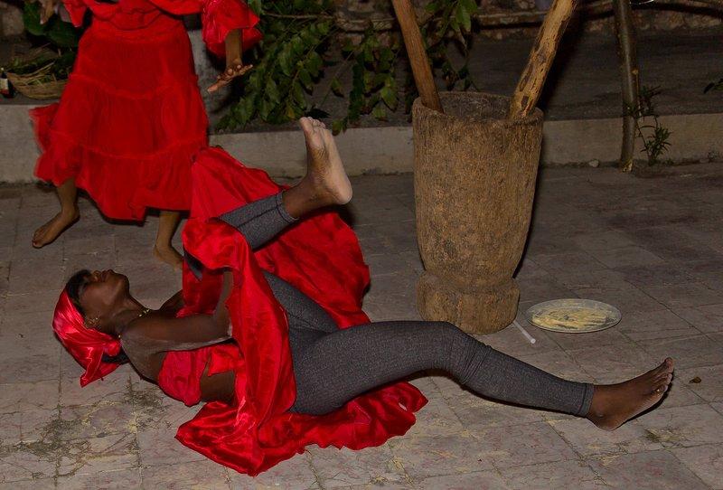 large_Haitian_Fo.._Dancing_35.jpg