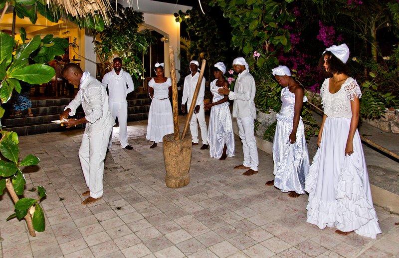 large_Haitian_Fo..e_Dancing_1.jpg