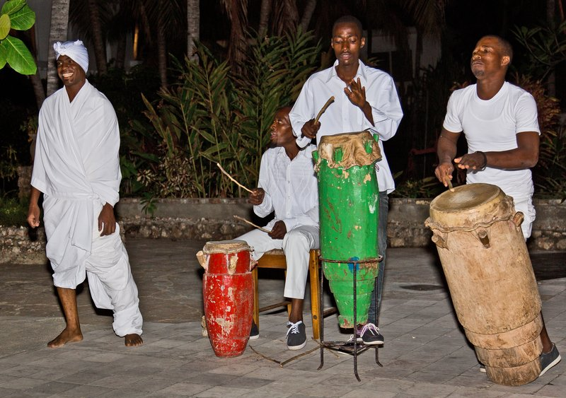 large_Haitian_Fo..e_Dancing_8.jpg