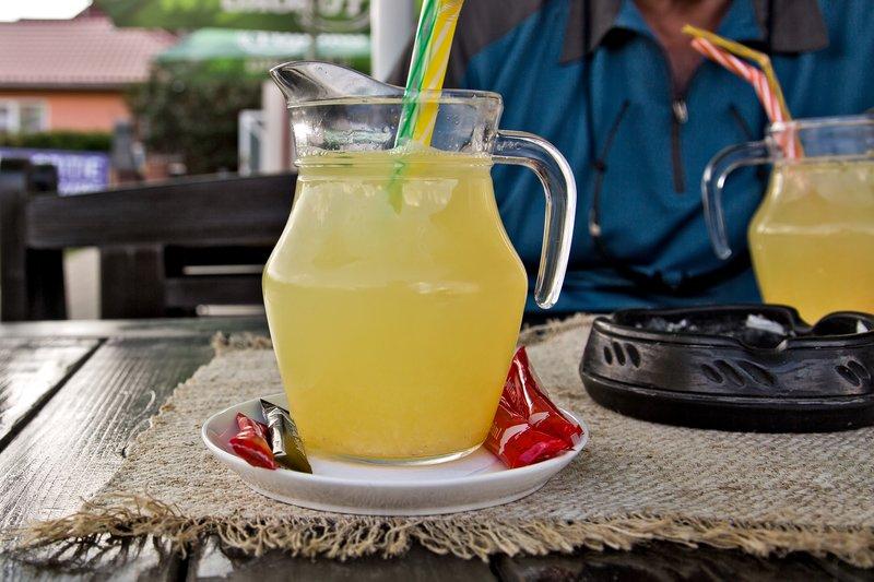 large_Home_Made_Lemonade_2.jpg
