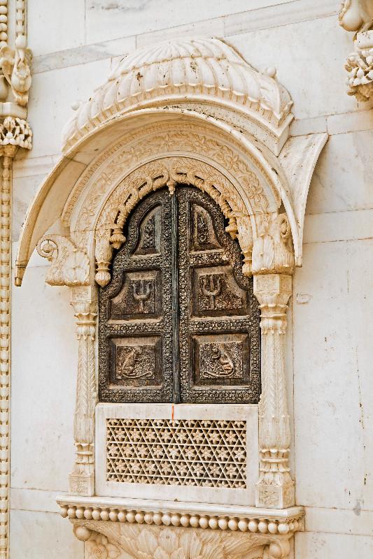large_Karni_Mata_Temple_4.jpg