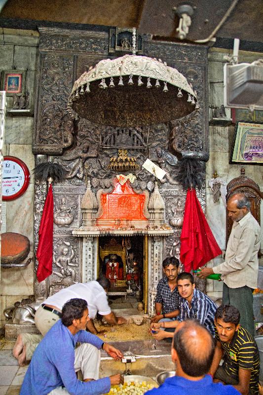 large_Karni_Mata_Temple_7.jpg