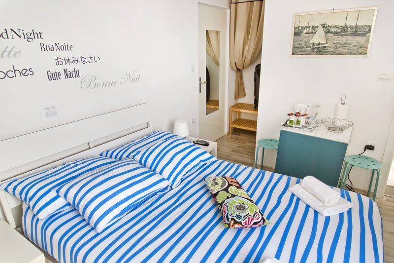 large_La_Casa_di..to_-_Room_1.jpg