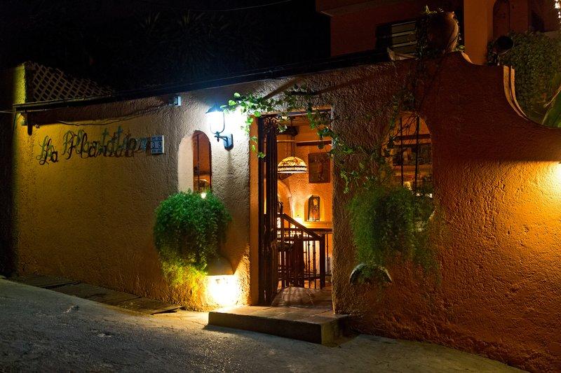 large_La_Plantation_Restaurant.jpg