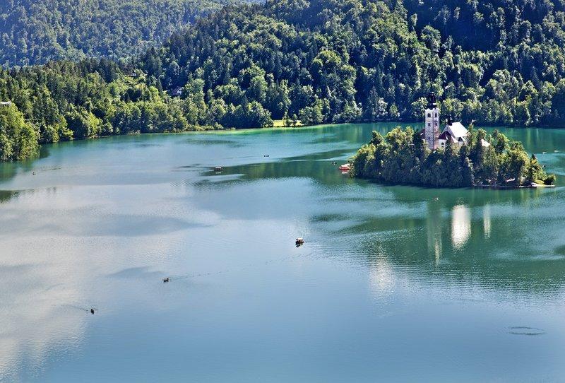 large_Lake_Bled_..e_Castle_13.jpg