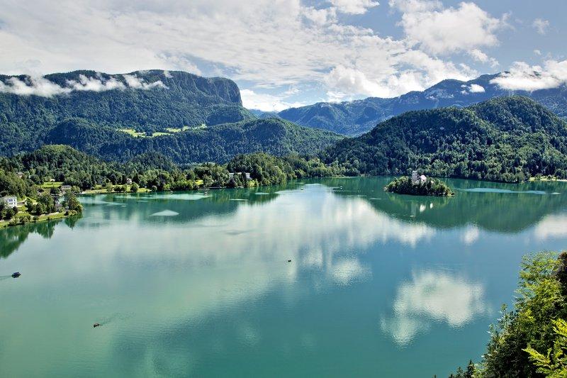 large_Lake_Bled_..he_Castle_1.jpg