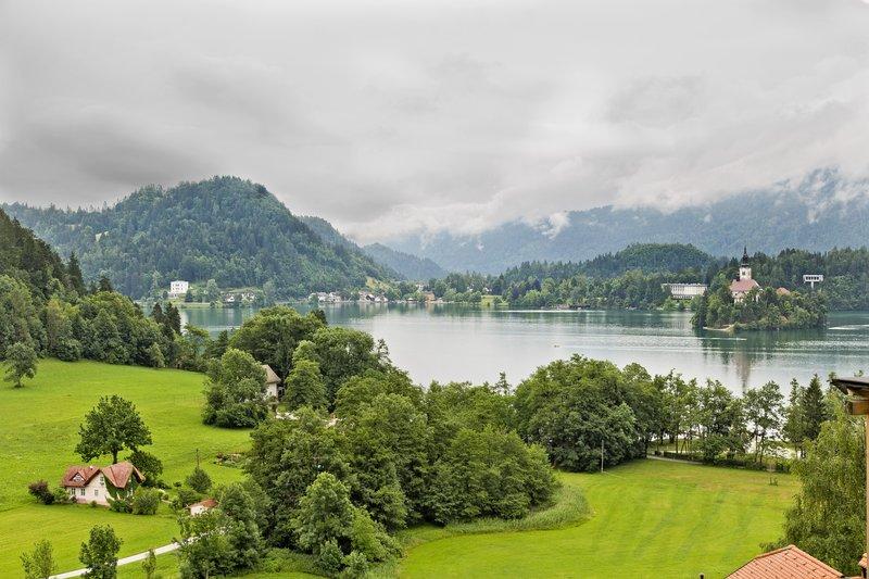 large_Lake_Bled_34.jpg