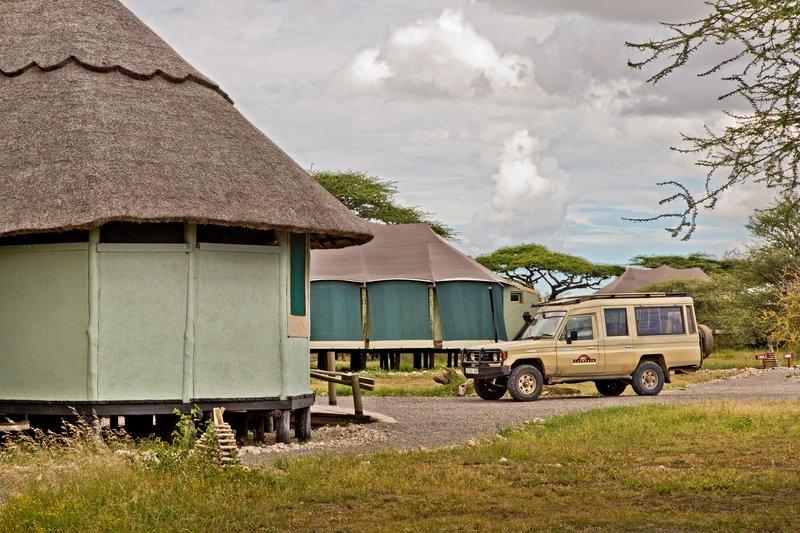 large_Lake_Masek_Tented_Camp_25.jpg