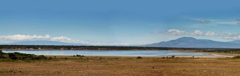large_Lake_Ndutu_101B.jpg
