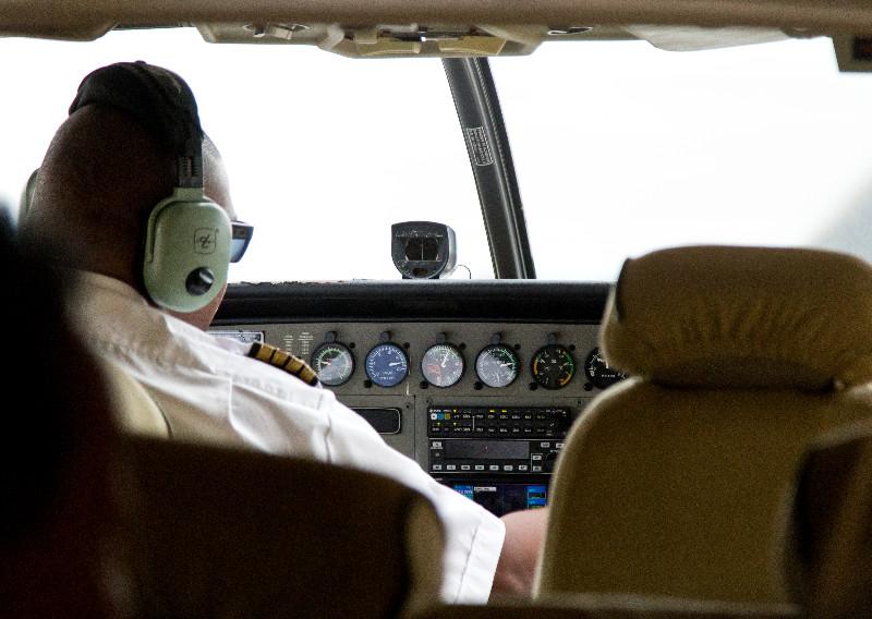 large_Landing_at_Lake_Manyara_2.jpg