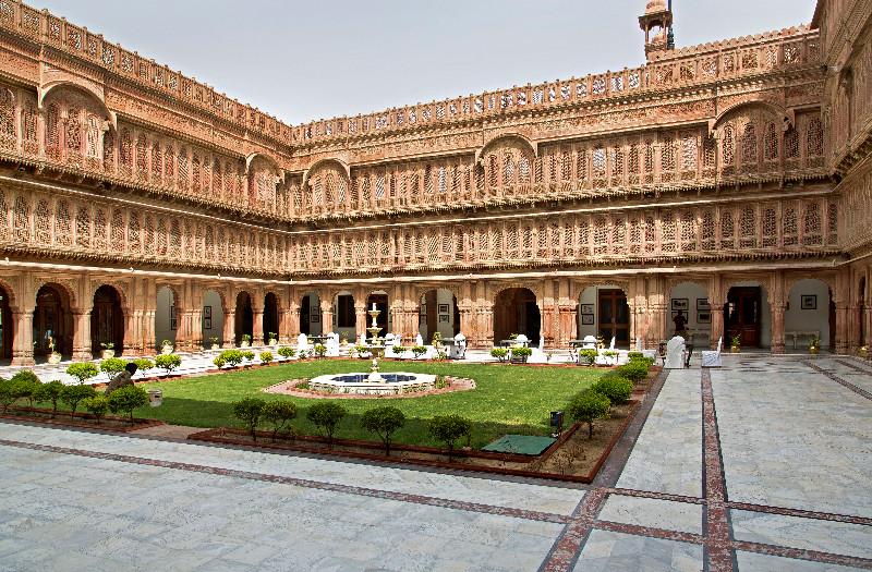 large_Laxmi_Niwas_Palace_5.jpg