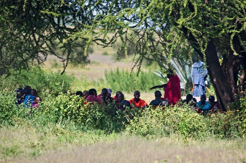 large_Maasai_Vil..s_Meeting_1.jpg