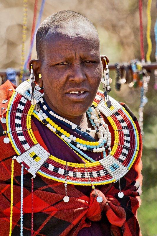large_Maasai_Woman_11.jpg