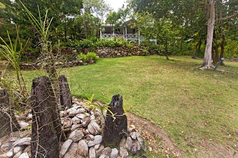 large_Mamiku_Gardens_80.jpg