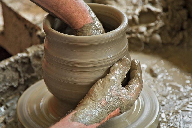 large_Marginea_Black_Pottery_6.jpg
