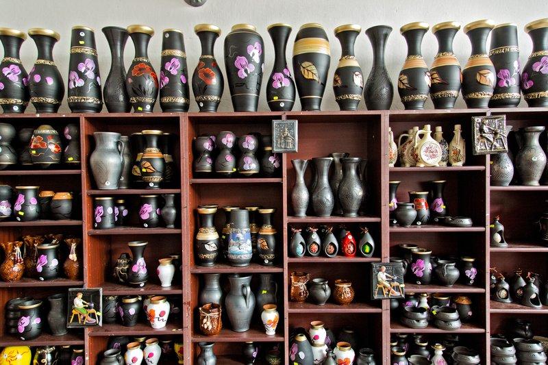 large_Marginea_Black_Pottery_8.jpg