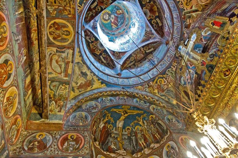 large_Moldovita_Monastery_17.jpg