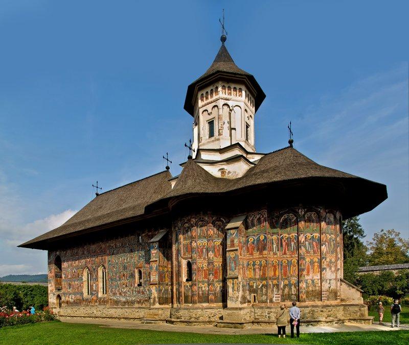 large_Moldovita_Monastery_5.jpg