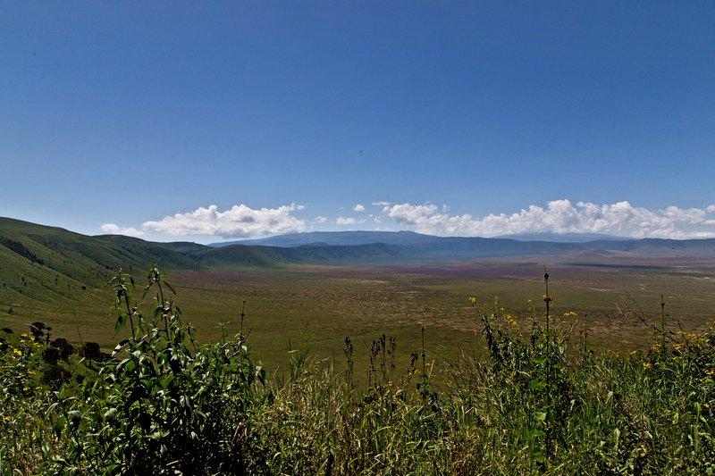 large_Ngorongoro..cent_Road_1.jpg