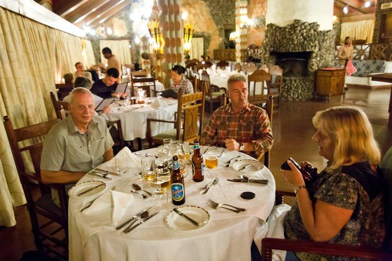 large_Ngorongoro..estaurant_2.jpg