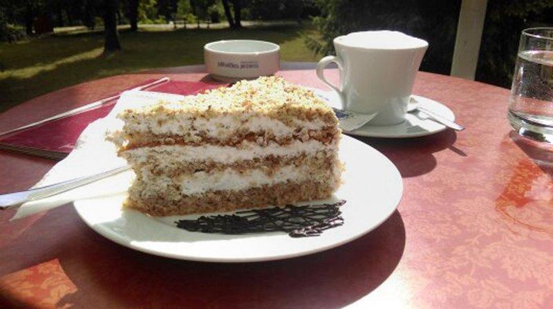large_Nut_Cake.jpg
