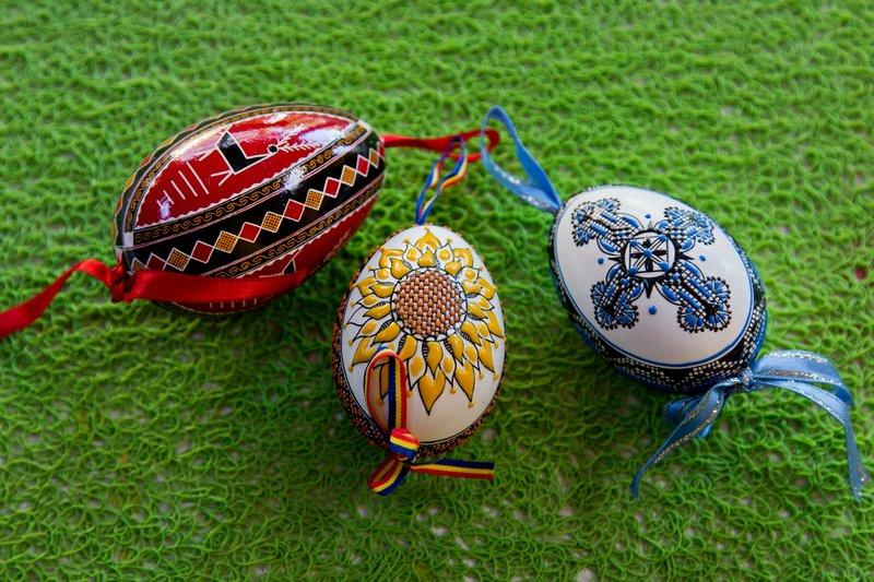 large_Painted_Eggs.jpg